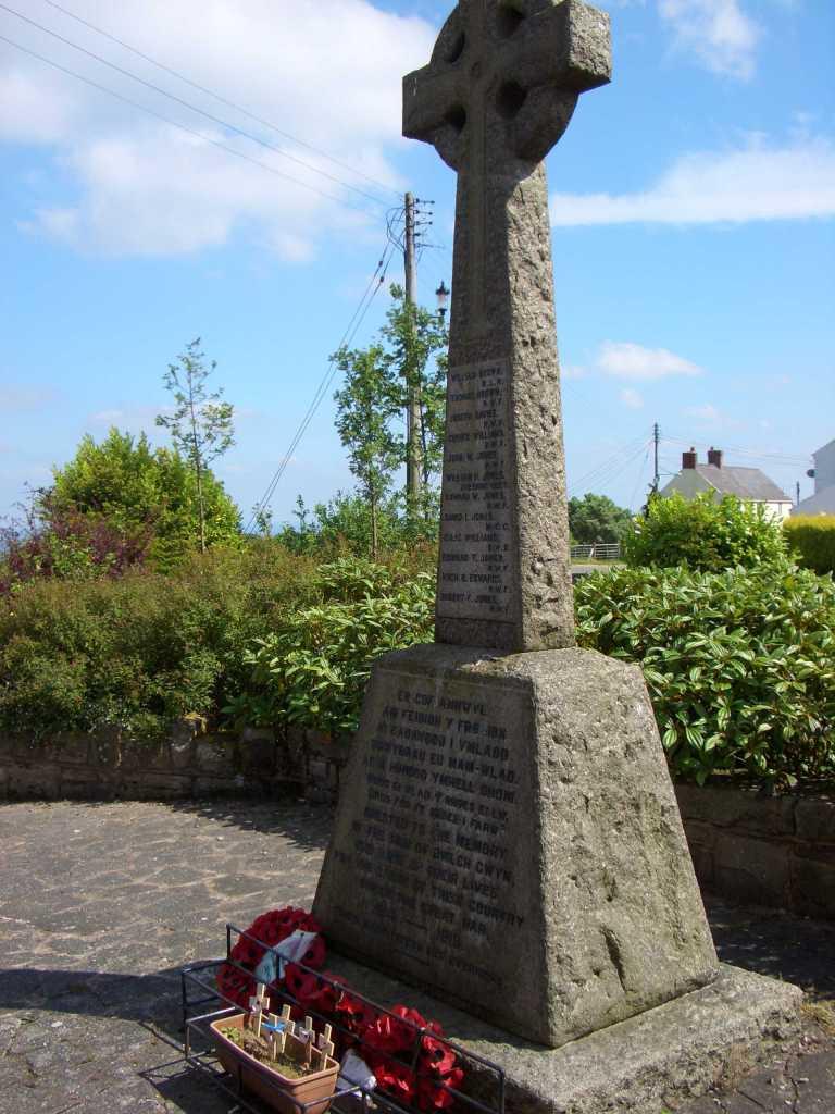Bwlchgwyn War Memorial 180605 3